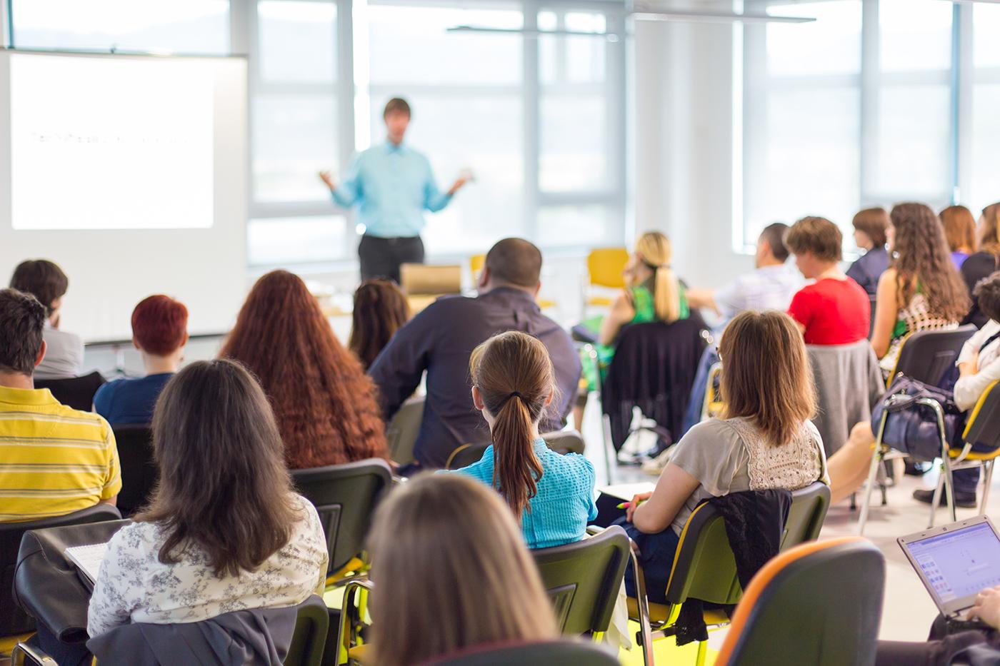 Munkaerő megtartás céges oktatással