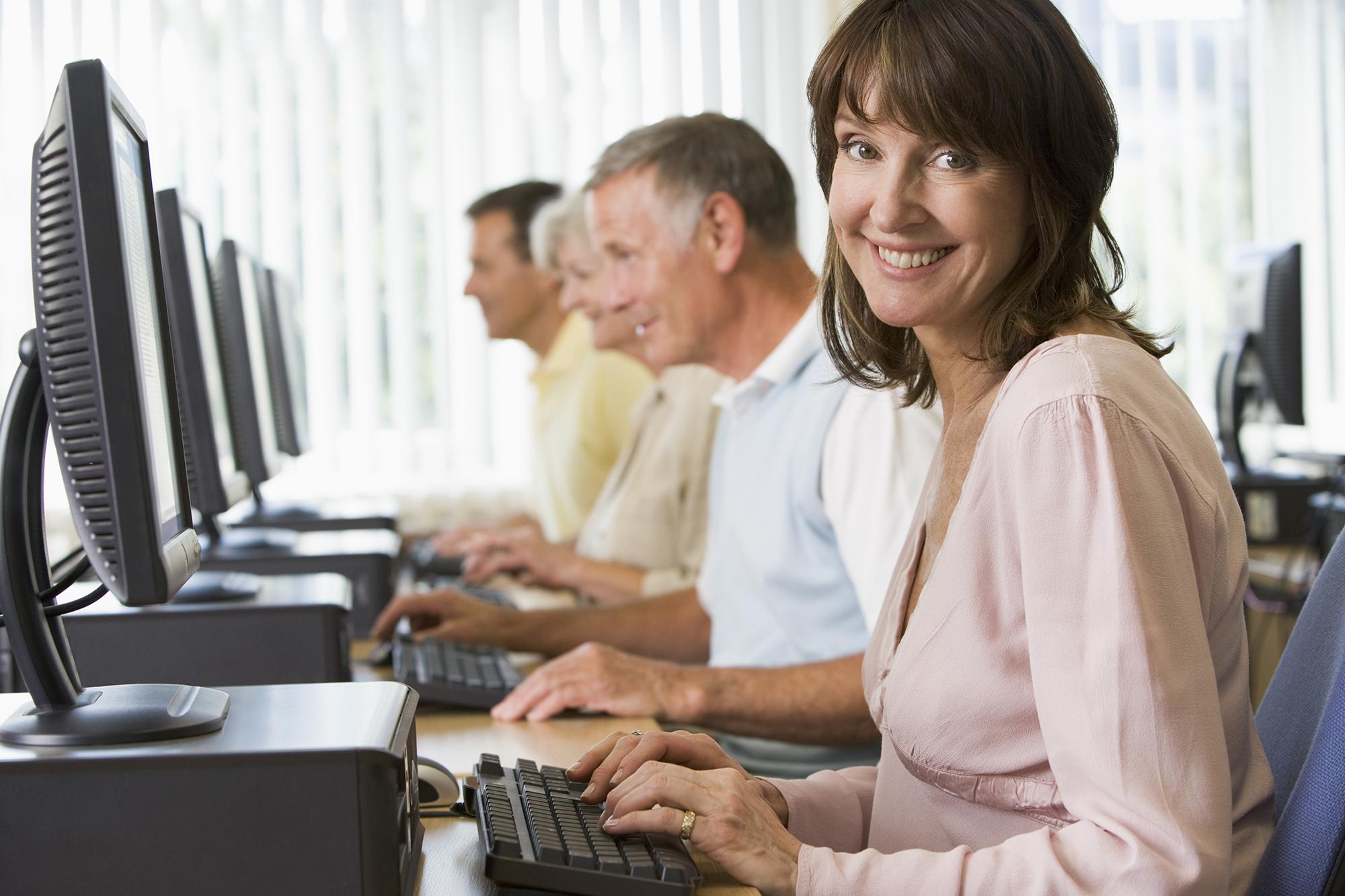 Felnőttképzés – Informatikai képzés – IKER – GINOP 6.1.2-15